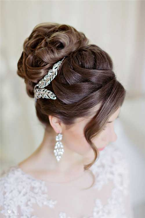 FWD Vivah 10Things To Note While Choosing The Perfect Hairstyle That Goes With Your Wedding Attire (1)